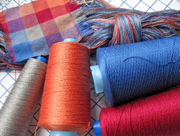 Prep for Double Weave Table Runner - yarns, warp, and sample
